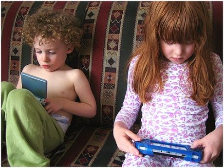 kids videogaming