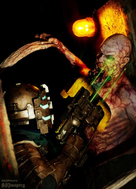 dead_space_cosplay_with_necromorph_sksprops_by_sksprops-d7sm9ot