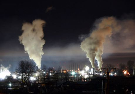 Heavy_night_industrial_light_pollution