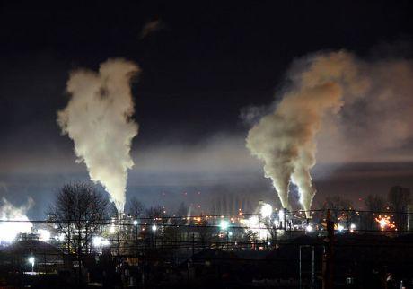 Heavy_night_industrial_light_pollution