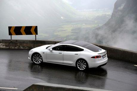 EV_Rally_Trollstigen_Tesla_Model_S
