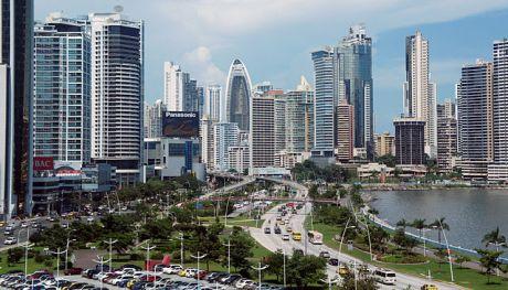 Panama_08_2013_Ave_Balboa